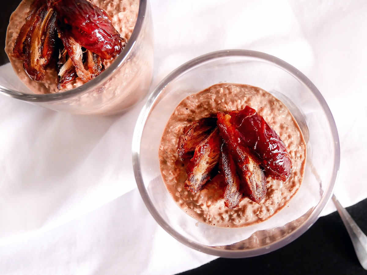 "Aveia durante a noite com data de medjool de chocolate ""class ="" wp-image-1672 ""srcset ="" https://www.rfhb.com.au/wp-content/uploads/2019/08/Chocolate-Medjool-Date-Overnight-Oats- 03.jpg 1200w, https://www.rfhb.com.au/wp-content/uploads/2019/08/Chocolate-Medjool-Date-Overnight-Oats-03-80x60.jpg 80w, https: // www. rfhb.com.au/wp-content/uploads/2019/08/Chocolate-Medjool-Date-Overnight-Oats-03-313x235.jpg 313w, https://www.rfhb.com.au/wp-content/uploads /2019/08/Chocolate-Medjool-Date-Overnight-Oats-03-768x576.jpg 768w, https://www.rfhb.com.au/wp-content/uploads/2019/08/Chocolate-Medjool-Date- Overnight-Oats-03-513x385.jpg 513w, https://www.rfhb.com.au/wp-content/uploads/2019/08/Chocolate-Medjool-Date-Overnight-Oats-03-265x198.jpg 265w, https://www.rfhb.com.au/wp-content/uploads/2019/08/Chocolate-Medjool-Date-Overnight-Oats-03-696x522.jpg 696w, https://www.rfhb.com.au /wp-content/uploads/2019/08/Chocolate-Medjool-Date-Overnight-Oats-03-560x420.jpg 560w ""tamanhos ="" (largura máxima: 1200px) 100vw, 1200px"